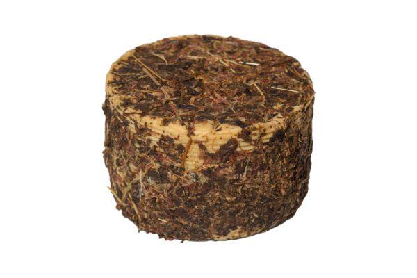 formaggio pecorino stagionato ai fiori di montagna intero