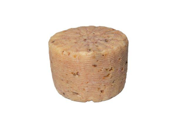 formaggio pecorino scamosciato alle noci forma intera