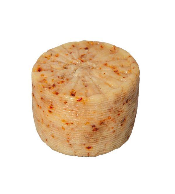 formaggio pecorino scamosciato al peperoncino forma intera