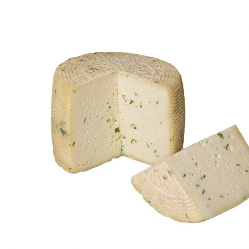 formaggio pecorino scamosciato con rucola tagliato